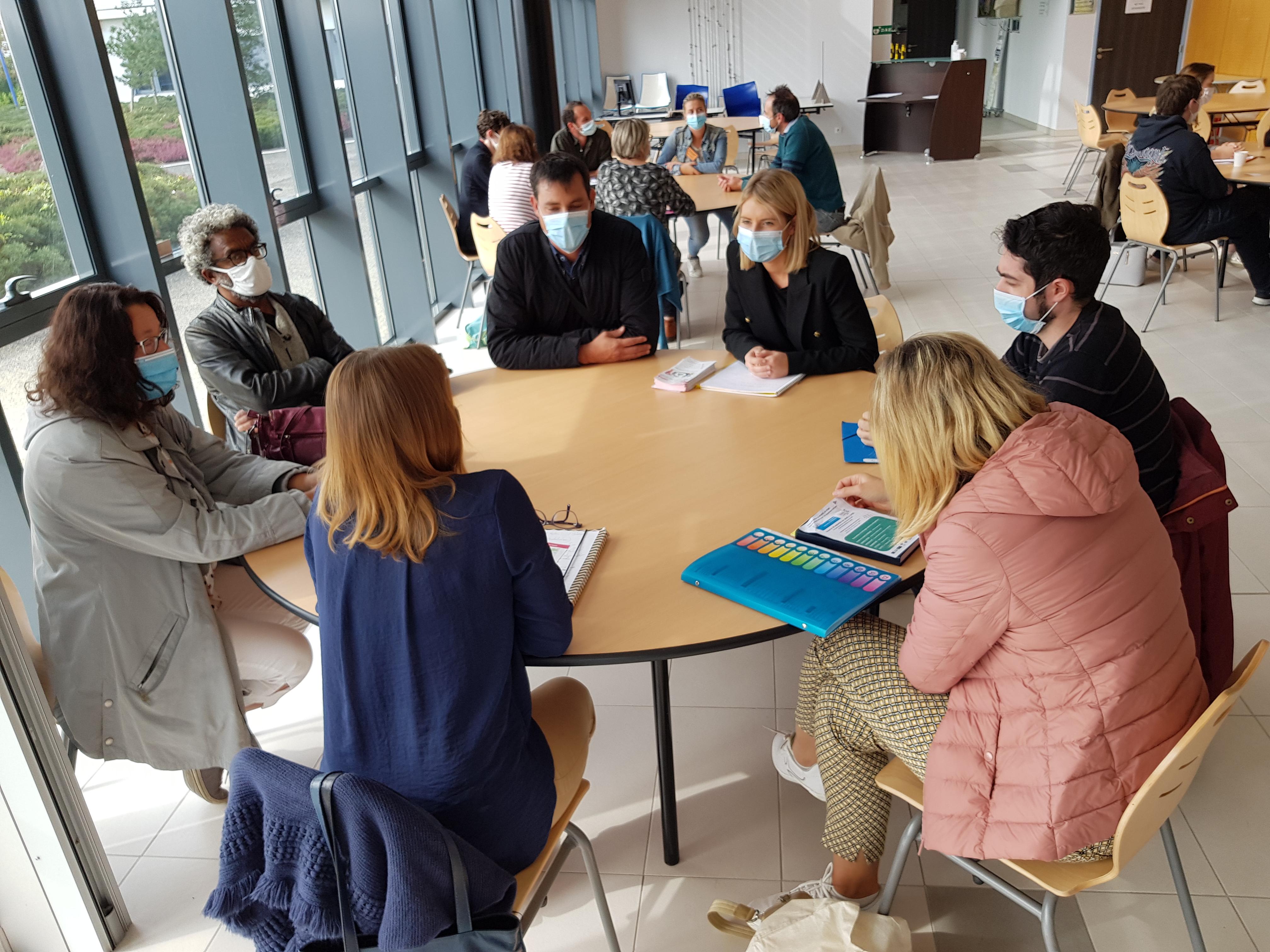 UN CAFE RENCONTRE entre DEMANDEURS D'EMPLOI et ENTREPRISES